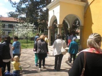Пред манастирската църква