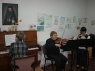 Изпълнение на класическа и съвременна музика.