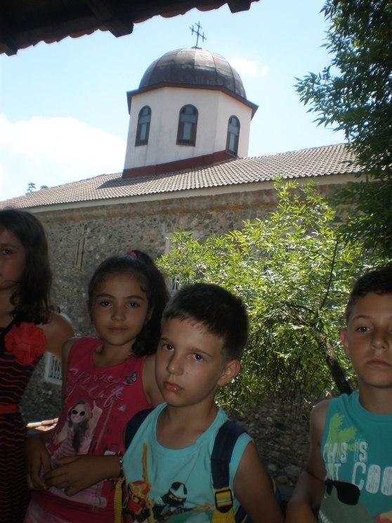 """Куполът на храм """"Свети Георги"""" - гледка от чердака на училището"""