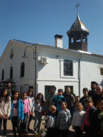 """Пред катедралния храм """"Свети Димитър"""""""
