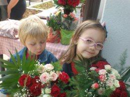 Цветя за новия параклис