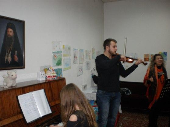 Всички се насладиха на чудесното изпълнение на класически и съвременни произведения.